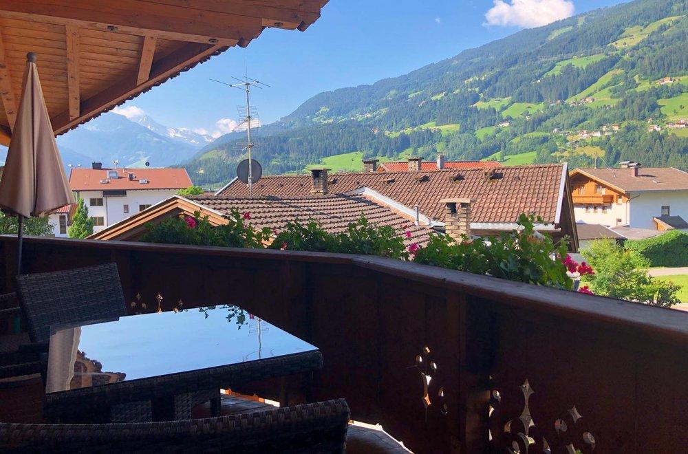 Ausblick vom Balkon Richtung Hochzillertal Apartment Lavendel