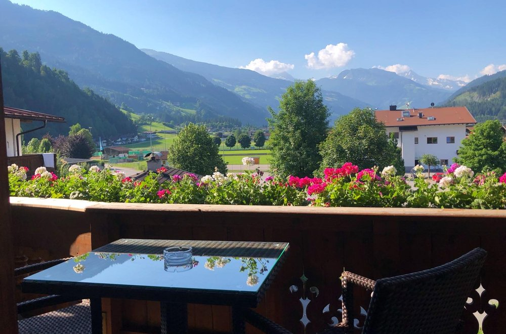 Ausblick vom Balkon Richtung Gerlosstein Apartment Alpenrose