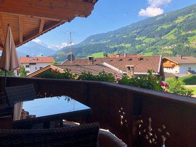 Ausblick vom Balkon Richtung Hochzillertal