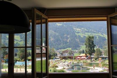Ausblick auf aufs Schwimmbad Stumm
