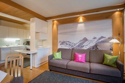 Wohnbereich mit Blick auf die Küche