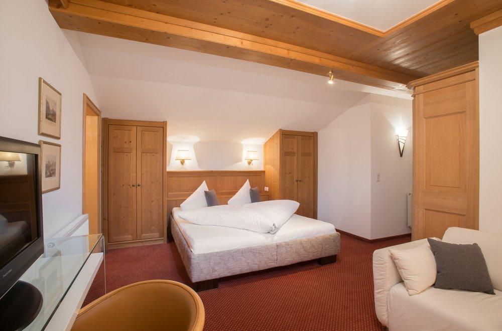Schlafzimmer im Dachgeschoss Apartment Gerlosstein