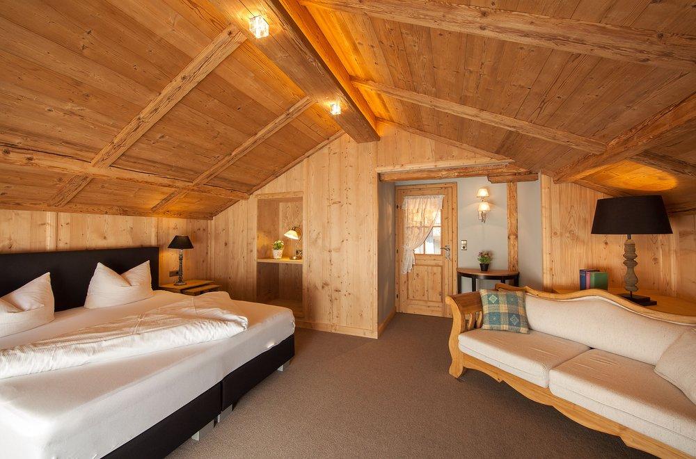Schlafzimmer im Dachgeschoss Chalet Dorfbäck